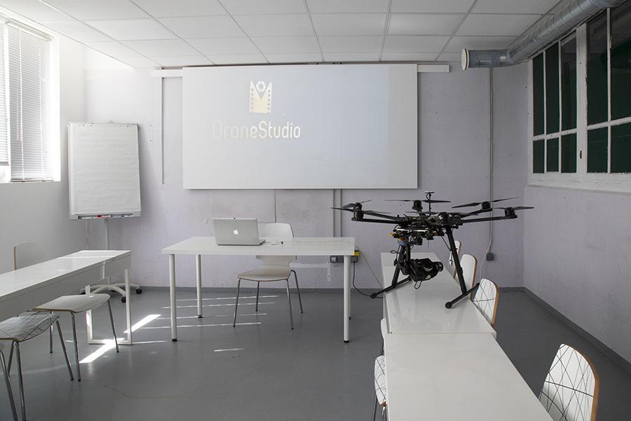 Dronestudio formation drone